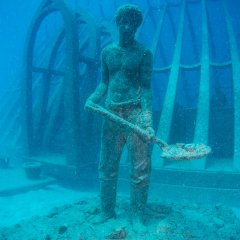 Discover a whole new world at Australia's first underwater museum